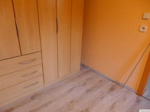 Fußleisten im Schlafzimmer