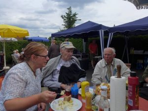 Papas aller Hausarzt war auch da und er erzählte, dass er lange in Wuppertal gearbeitet hat