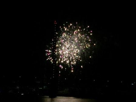 Roncalli und Feuerwerk in Düsseldorf
